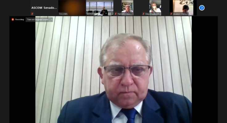 Izalci pede mais transparência ao GDF sobre gastos com a pandemia